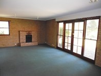 Picture of 1/22 Hawthorne Avenue, Nowra