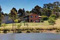 Picture of 73 Narawa Place, Bega