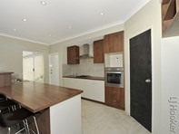 Picture of 1 Dalona Parkway, Lakelands