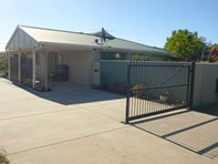 Picture of 1/5 Backland Street, Sinclair