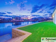 Picture of 37 Portofino Crescent, Pelican Point