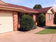 Picture of 2/7 Bentley Place, Wagga Wagga