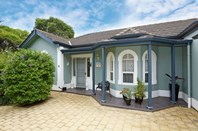 Picture of 4/1 Kinross Avenue, Lower Mitcham