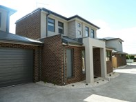 Picture of 2/15 Cressswold Avenue, Avondale Heights