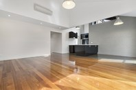 Picture of 2/16 Piper Street, Kyneton