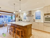 Picture of 9 Birrigon Loop, Swanbourne