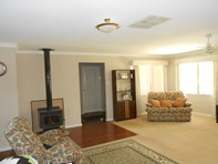 Picture of 53 EagleHawk Drive, Ravenswood