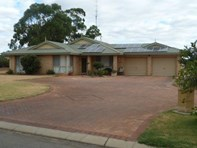Picture of 27 & 29 Powell Crescent, Quairading