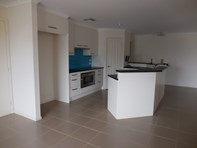 Picture of 46 West Tce, Laura