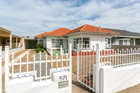 Picture of 571 Military Road, Largs North