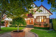 Picture of 14 Lorgrove Court, Avondale Heights