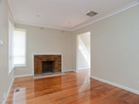 Picture of 1/19 Lloyd Avenue, Epping
