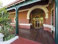 Picture of 1 Osborne Road, East Fremantle