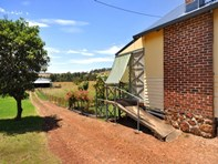 Picture of 11 Gairdner Road, Beelerup