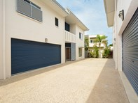 Picture of 2/45 O'Ferrals Road, Bayview