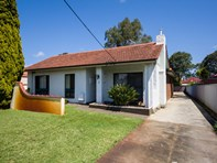 Picture of 5 Cowan Street, Alfred Cove