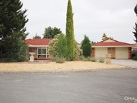 Picture of 4 Montrose Court, Onkaparinga Hills