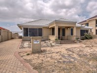 Picture of 22 Warnbro Beach Road, Safety Bay