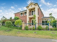 Picture of 40 Lomond Circuit, Mawson Lakes