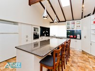 Picture of 2 Coronet Court, Thornlie