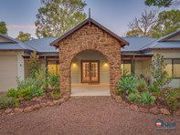 Picture of 27 Hibbertia Court, Jarrahdale