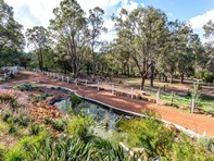 Picture of 520 Lance Street, Sawyers Valley