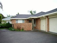 Picture of 2/10 Greenview Place, Forster