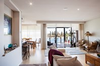 Picture of 4/17 Tingira Circle, East Fremantle
