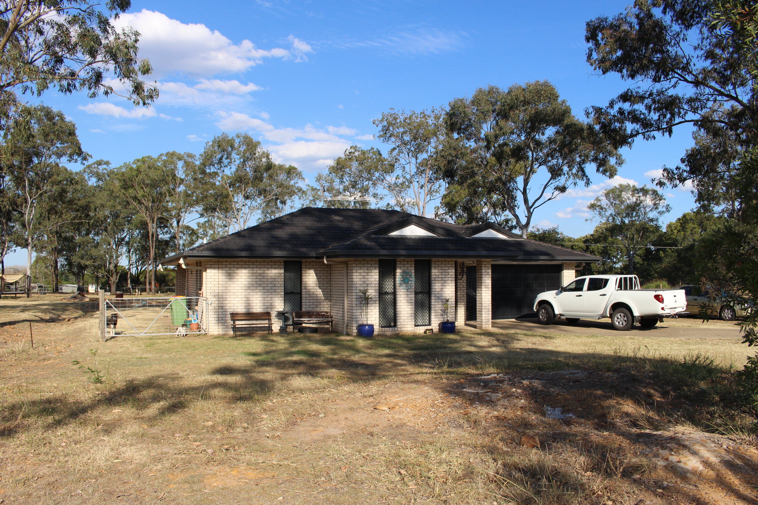 Adare qld 4343 4 beds house for sale 2013166870 for Adare house