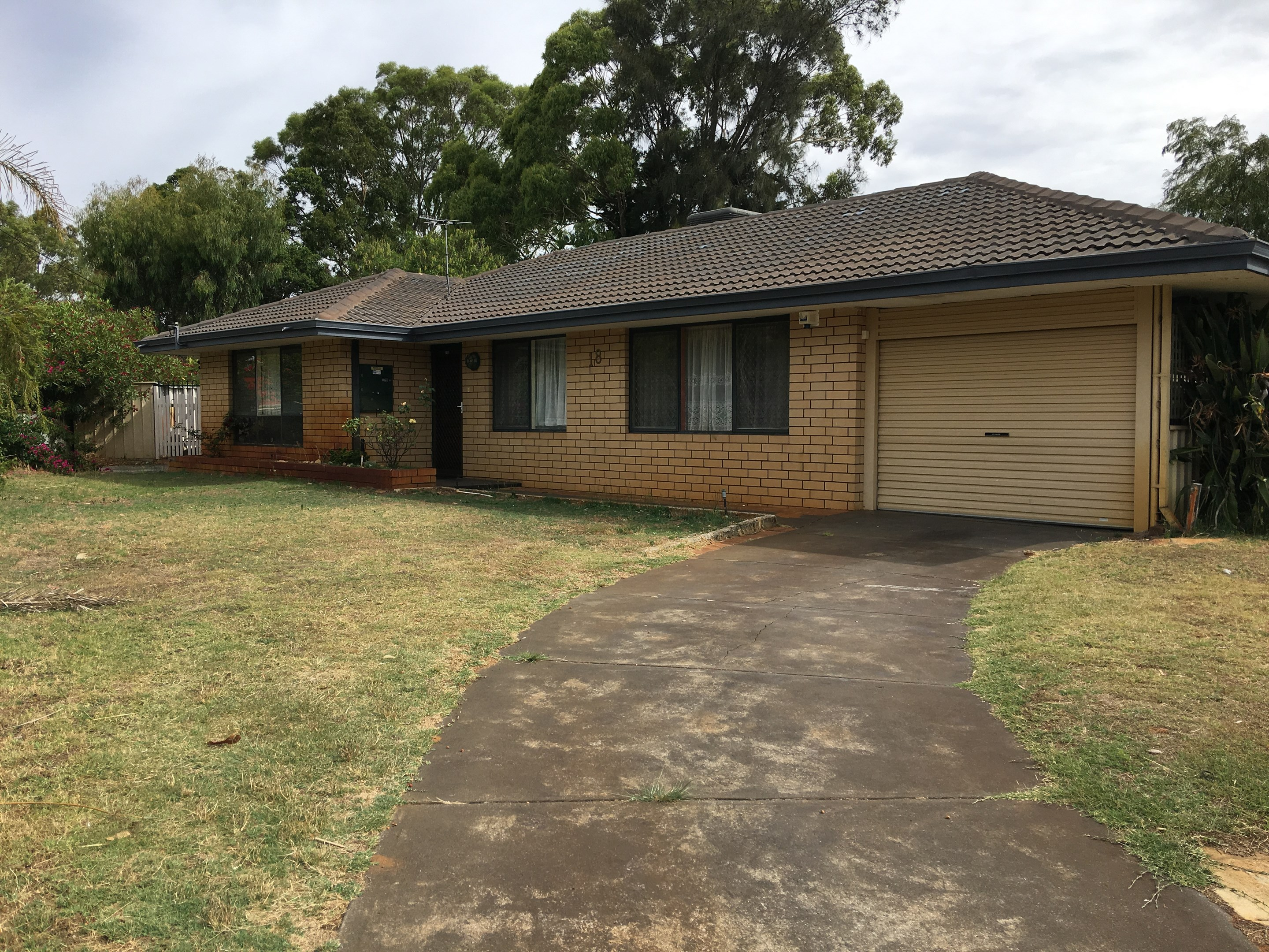 18 banksia road camillo wa 6111 house for rent 250 for Camillo homes