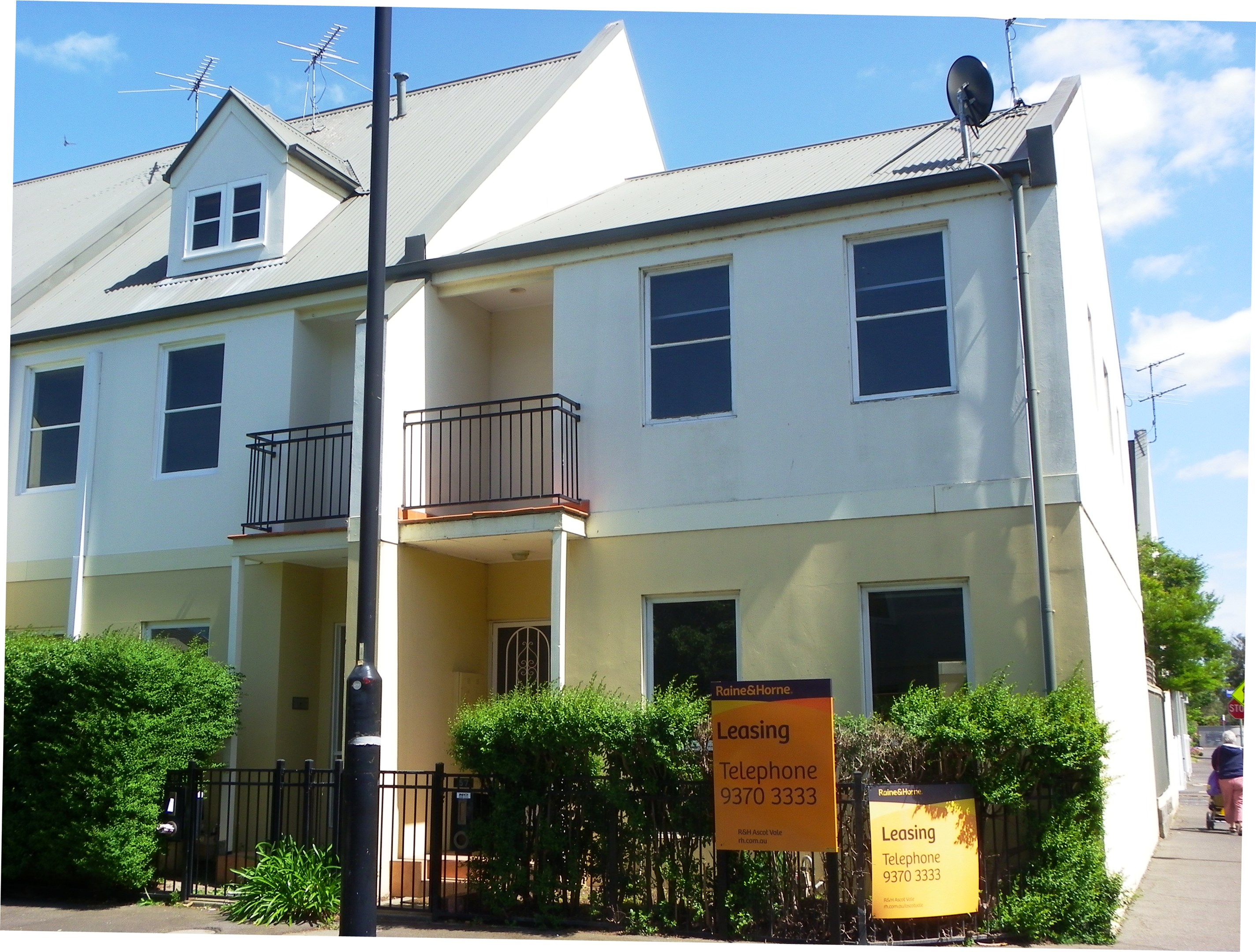 57 the crescent kensington vic 3031 townhouse for rent $620