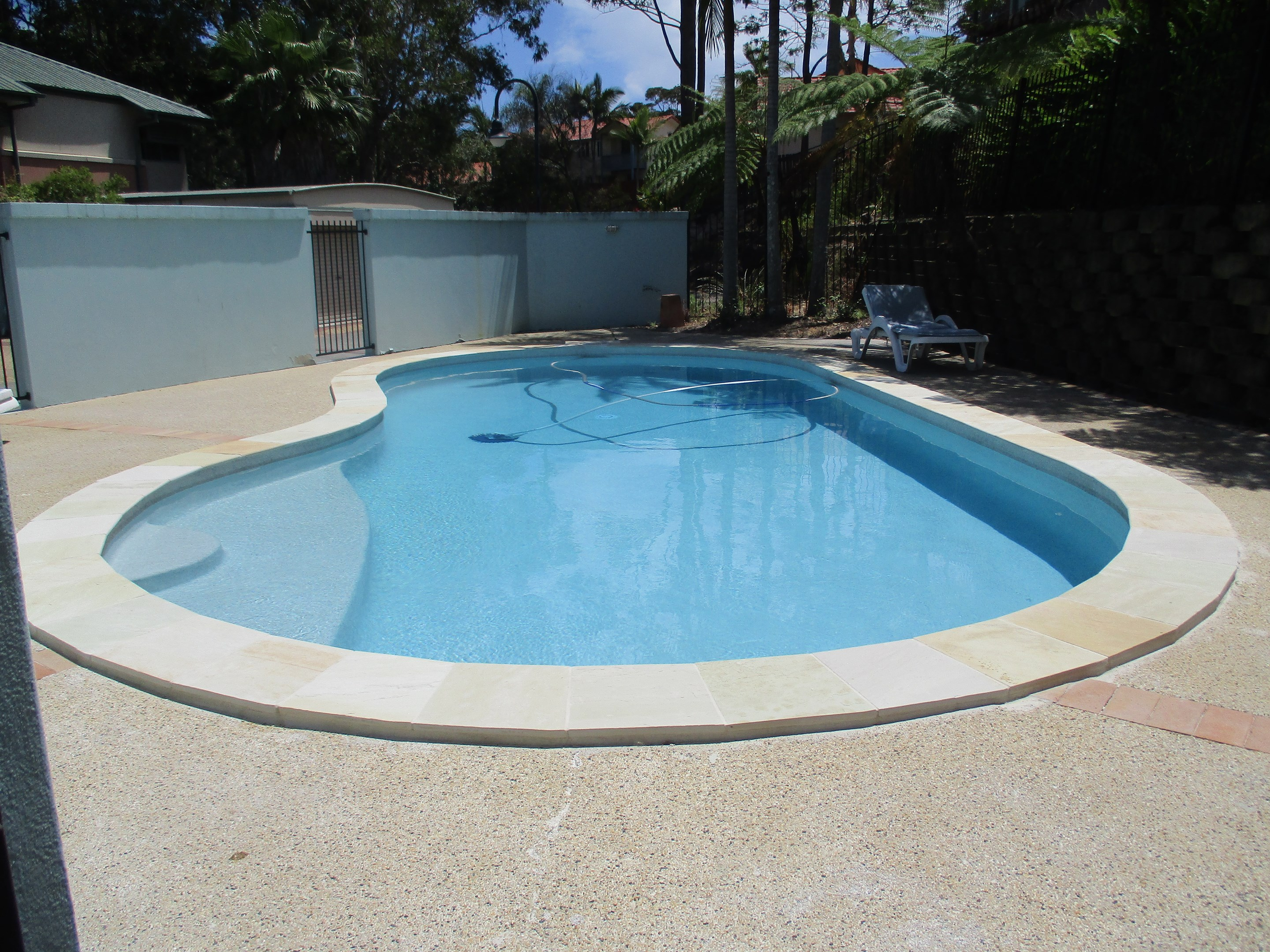 43 1 university drive robina qld 4226 townhouse for - University of queensland swimming pool ...