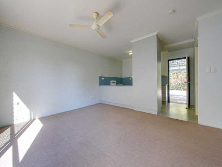 1/76 Paxton Street, North Ward QLD 4810, Image 1