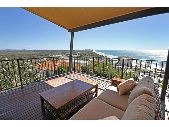1724 1726 david low way coolum beach qld 4573 house for for 40 seaview terrace sunshine beach