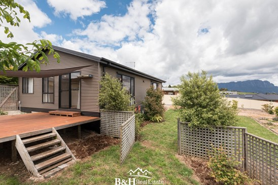 Offers Over $219,000
