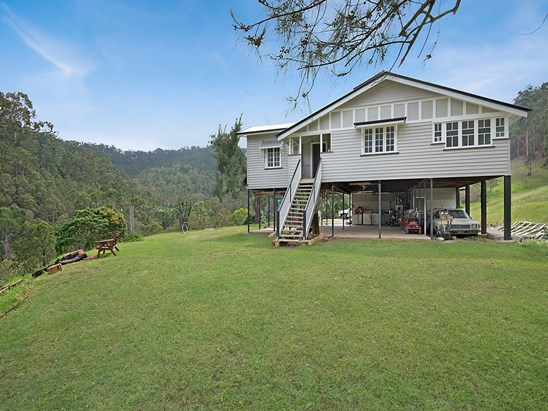 Offers Over $525,000