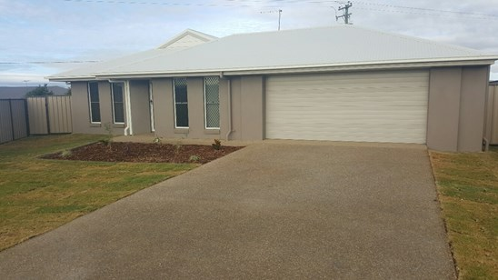 $375 p/wk with Shed