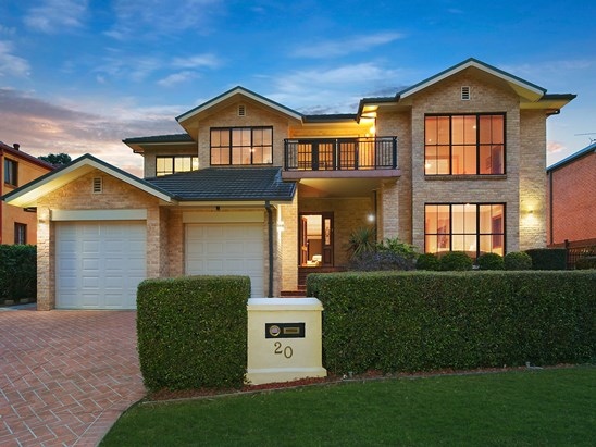 20 Barrack Circuit, Macquarie Links