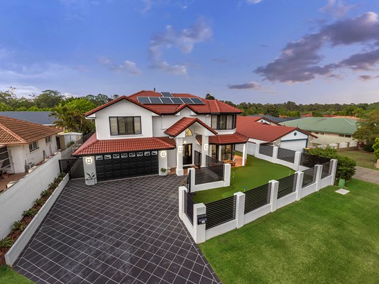 Offers Over $899,000