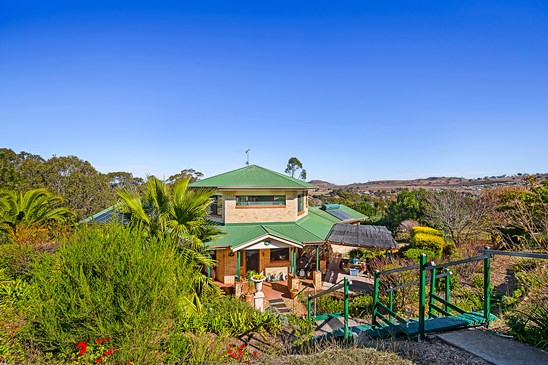 Offers Above $460,000 (under offer)