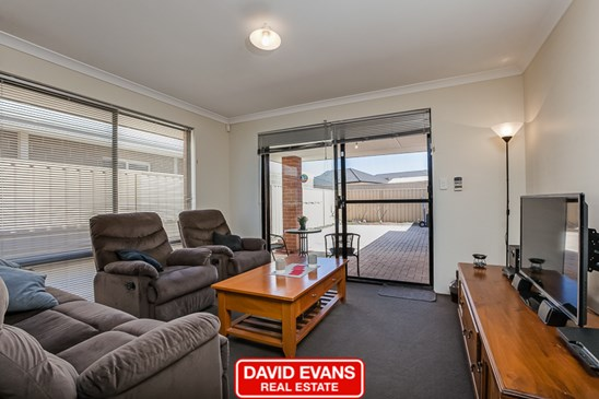 Offers over $305,000 (under offer)