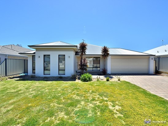 15 GLENDALE STREET, Meadow Springs