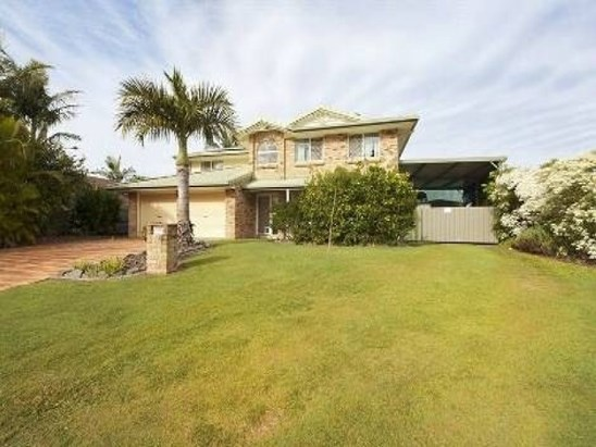 SANDSTONE POINT FAMILY HOME $525,000