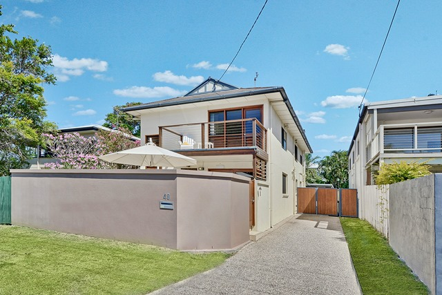 Recently sold properties in moffat beach qld 4551 page 2 for 40 seaview terrace sunshine beach