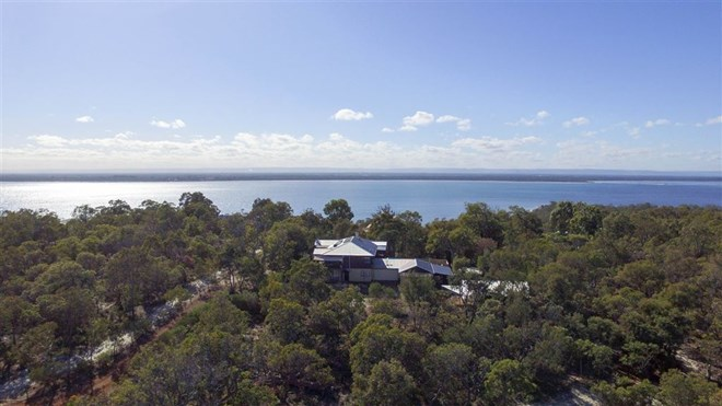 Picture of 37 Lakeside Parkway, Herron
