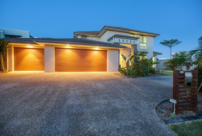 Picture of 2 Harbourvue Court, Helensvale
