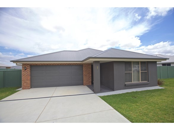 Picture of 7 Miller Street, Bathurst
