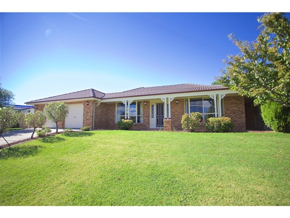 Picture of 30 Country Way, Bathurst