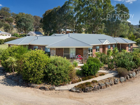 Picture of 3 Riversdale Place, Wodonga
