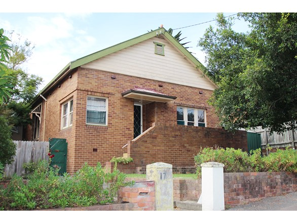 Picture of 17 Kitchener Parade, Newcastle